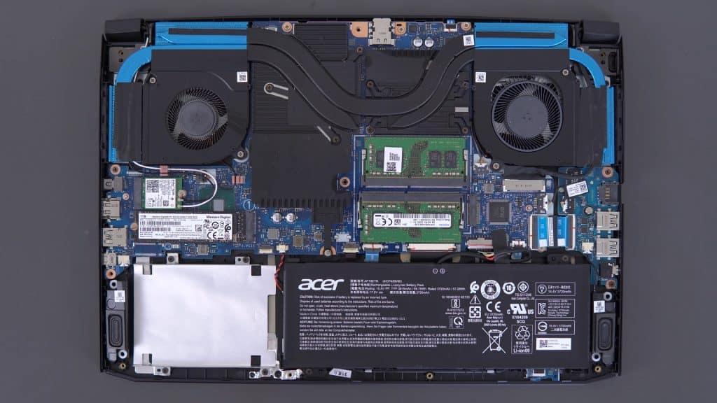 Acer Predator Helios 300 Inside Hardware