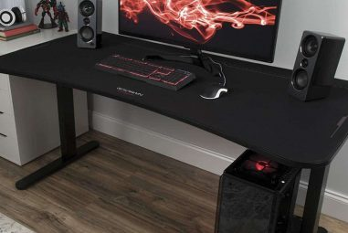 10 Best Gaming Desks for PS4 and Xbox 2021